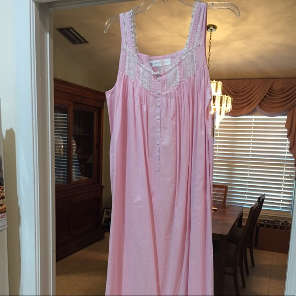 50f03525cc NWT Eileen West lawn cotton long night gown